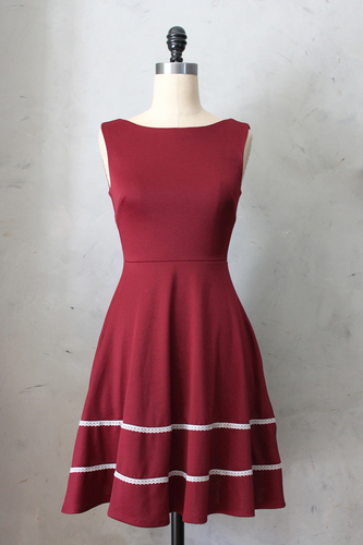 Coquette Dress in Port